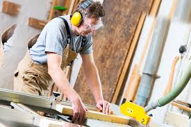 3 safety tips for woodworkers while using a table saw.